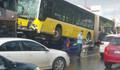 Metrobüs yoldan çıktı! İşte ilk görüntüler