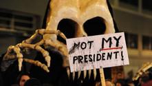 Trump, dünya genelinde protesto edildi