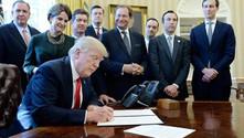 Trump'tan yeni regülasyon kararnamesi