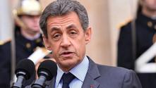 Sarkozy'nin oyu Macron'a