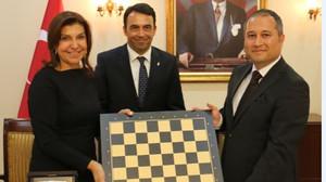 Cezaevlerindeki çocuklara satranç sınıfları açılıyor
