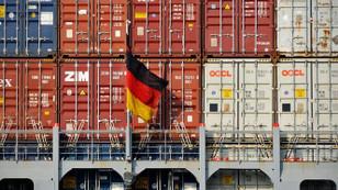 Almanya'da özel sektör büyümesi 16 ayın dibinde