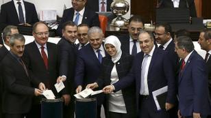 Anayasa değişiklik teklifinde 6. madde kabul edildi