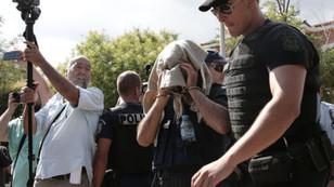 Yunanistan 2 darbeci askeri gözaltına aldı