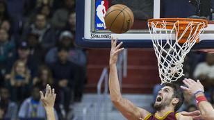 Cavaliers play-off'lara galibiyetle başladı