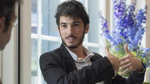 Gözaltında tutulan gazeteci sınır dışı edildi