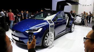 Tesla'dan sürücüsüz otomobil adımı