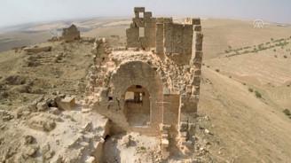 Bin 700 yıllık yer altı tapınağı bulundu