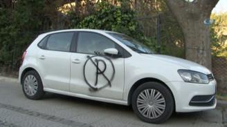 Hatalı park yapan araçlara vatandaştan boyalı ceza