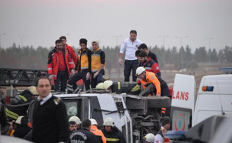 Diyarbakır'da bombalı saldırı: 4 şehit