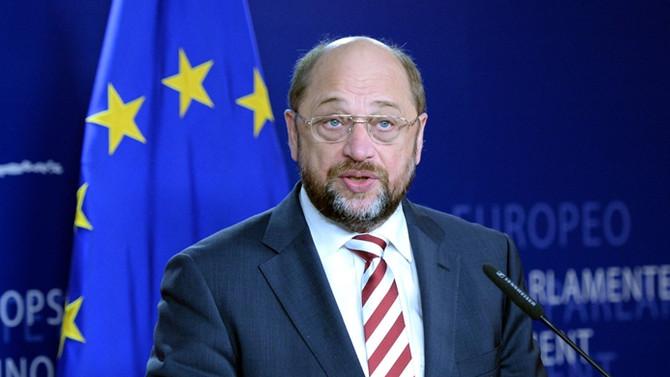 Schulz: Spekülasyonlar AB'yi tehlike sokuyor