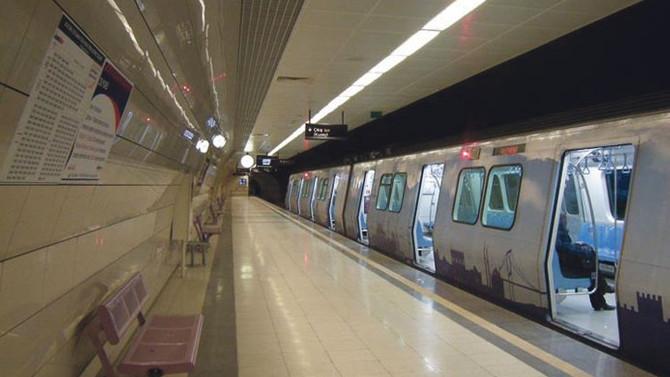 Metroda intihar girişimi