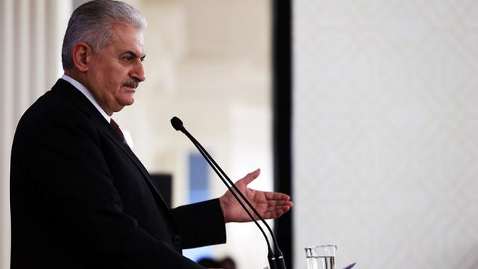 CHP'nin 'AYM'ye gitmeme' kararına yorum