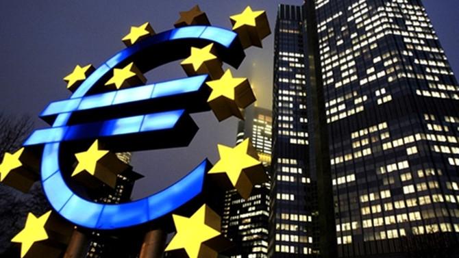 Euro Bölgesi'nde dış ticaret fazlası arttı