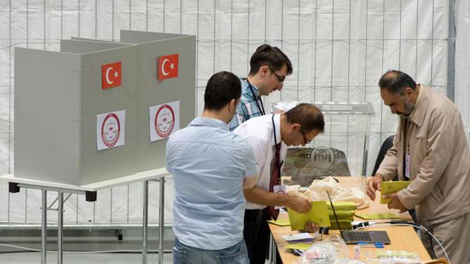 Almanya'da referandum hazırlıkları