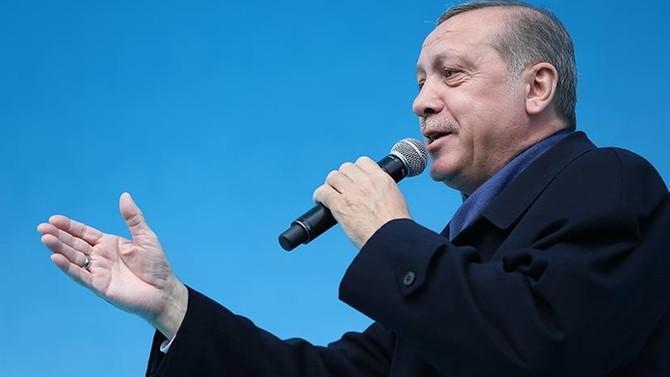 Erdoğan: Evetle hayırı aynı kefeye koyamam