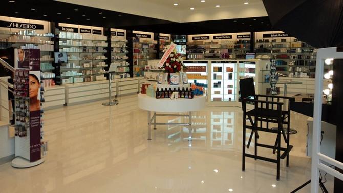 Tekin Acar Kozmetik, 19 mağazasını Fransızlara satıyor