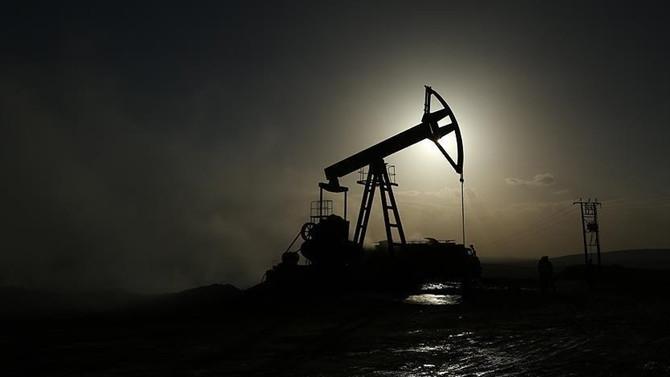 Petrolde yeni beklenti 65 dolar