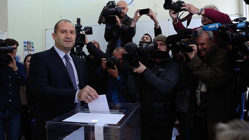 Bulgaristan yeni cumhurbaşkanını seçti