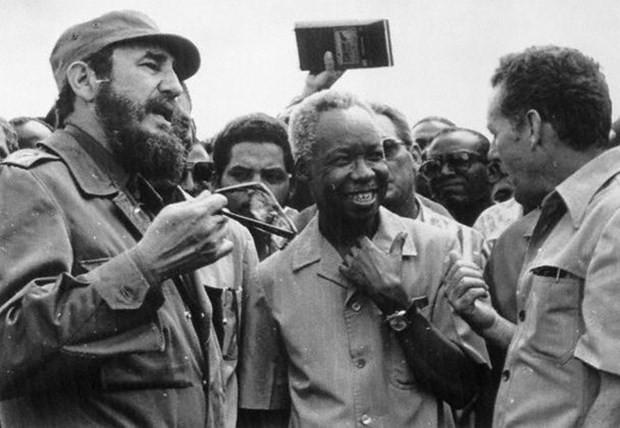 Efsanevi lider Castro hayatını kaybetti