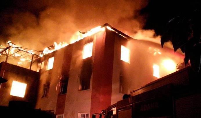Adana'da kız öğrenci yurdunda yangın: 12 ölü