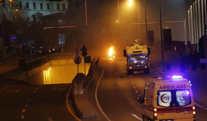 İstanbul'da iki bombalı saldırı