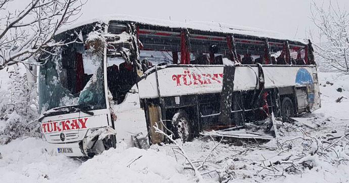 Sinop'ta yolcu otobüsü uçuruma yuvarlandı: 5 ölü