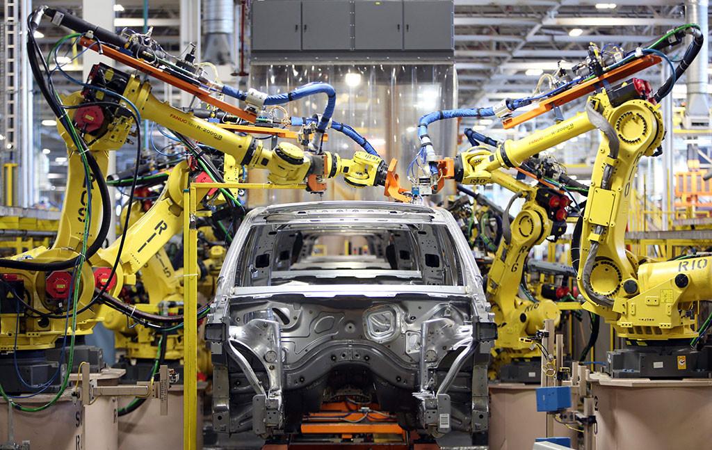 'Otomotiv pazarı 2017'de yüzde 8 daralacak'