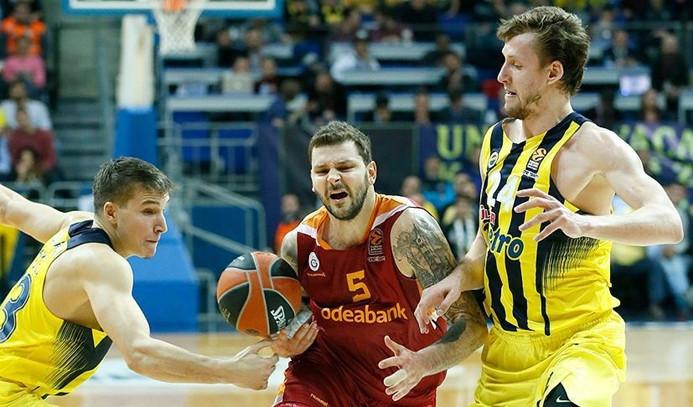Türk derbisinin galibi Fenerbahçe