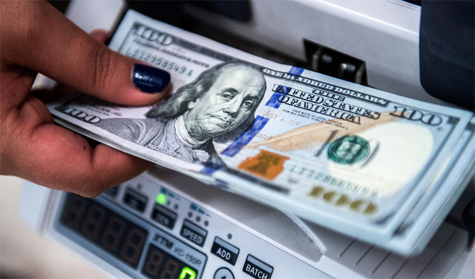 TL'de kazanç sınırlı oldu, dolar zirveye yakın