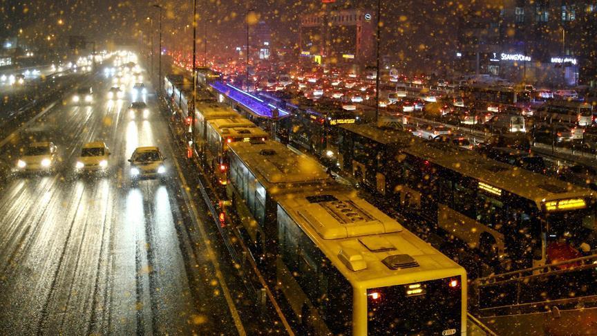 Metro, Metrobüs ve Avraysa'ya kar ayarı