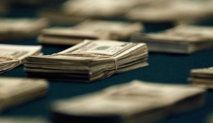 Hazine, 1.25 milyar dolar borçlandı