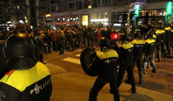 Hollanda polisi: En az 7 kişi yaralandı