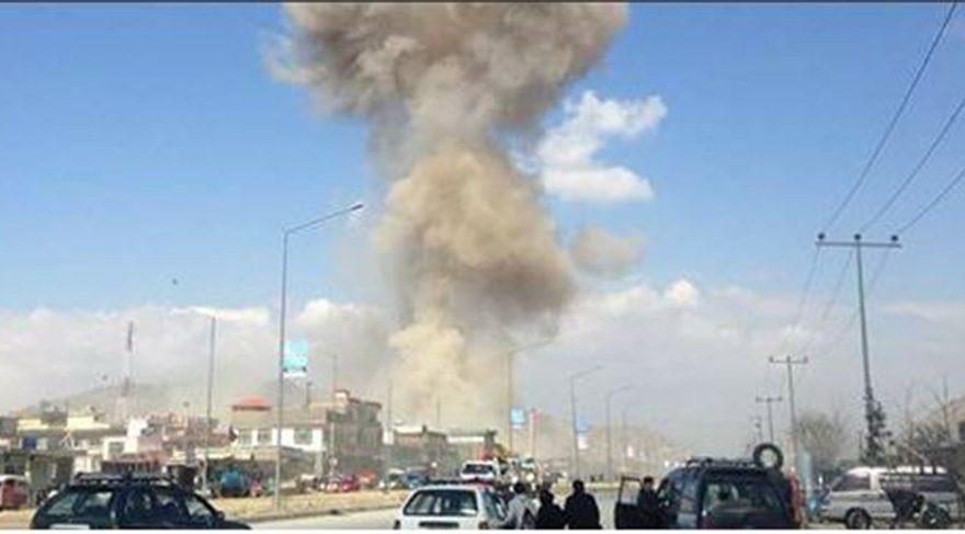 Afganistan'da askeri hastaneye baskın