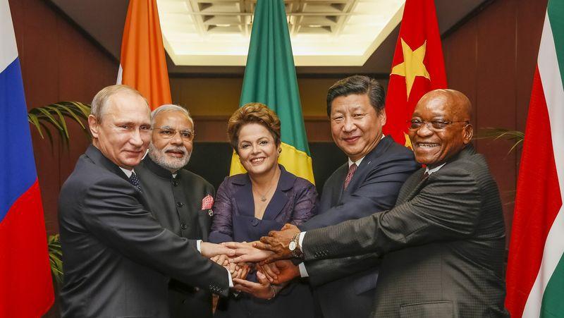 BRICS 3 milyar dolar borç verecek