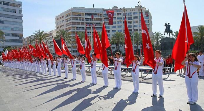 19 Mayıs yurtta törenlerle kutlanıyor