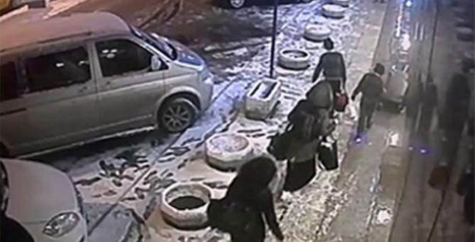 Üç İngiliz kız IŞİD'e böyle katılmış