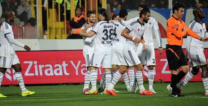 Fenerbahçe'ye Mersin'de derbi morali