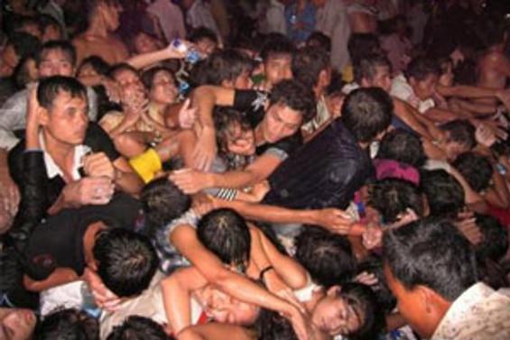 Kamboçya'da ölüm festivali