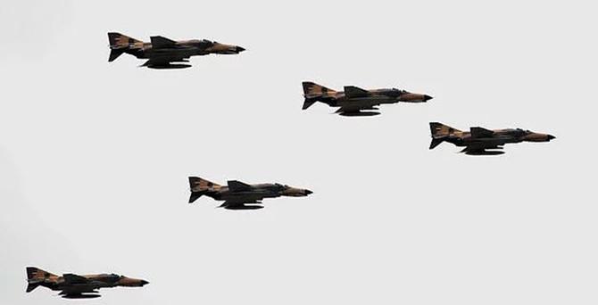 Почему падают истребители F-4?