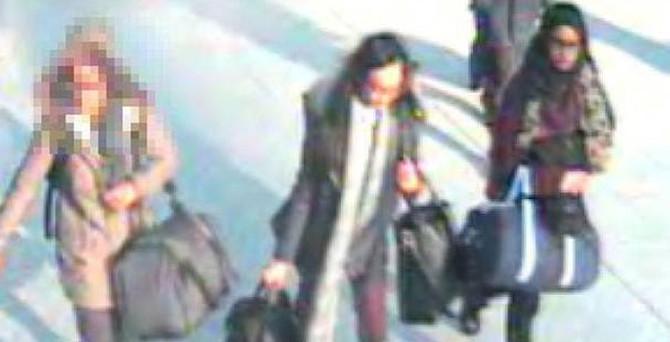 İngiliz kızlara yardım eden ajan yakalandı