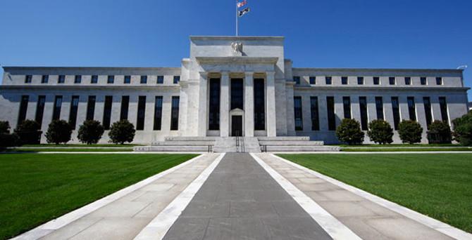 Dudley: Fed'in faiz artırımının tarihi belirsiz