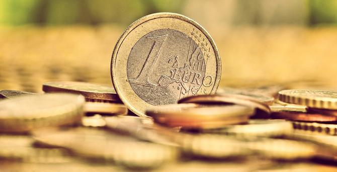 Euro, 4 ayın zirvesinde