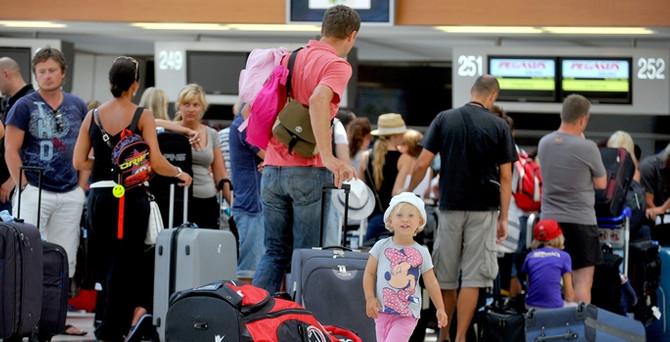 Antalya'ya Rus turist darbesi