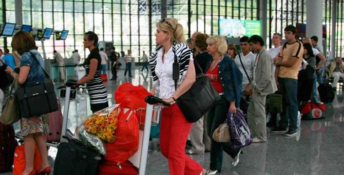 Rus turist azaldı, operatörlerden sonra konaklama da sıkıntıda