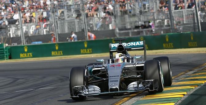 Mercedes AMG Petronas sezona 'duble'yle başladı