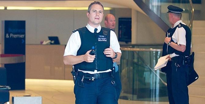 İngiltere'ye iade edilen gençler serbest bırakıldı