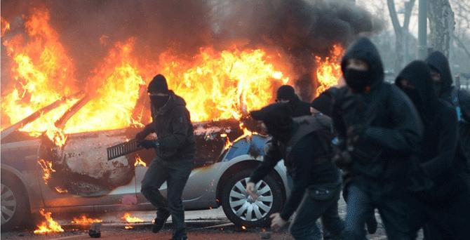 ECB açılışında olaylar çıktı: 290 yaralı, 350 gözaltı