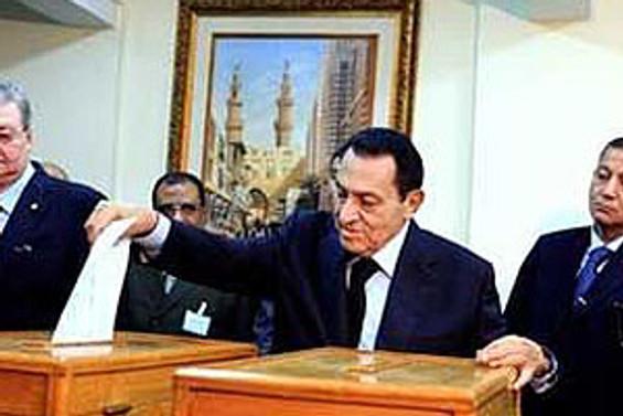 Mısır'da iktidar güven tazeledi