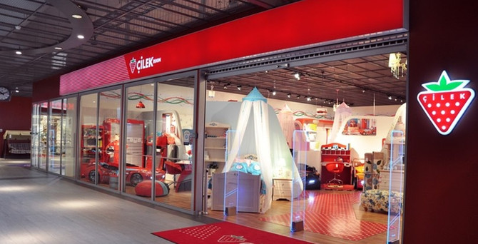 Çilek 4 yeni mağaza açtı